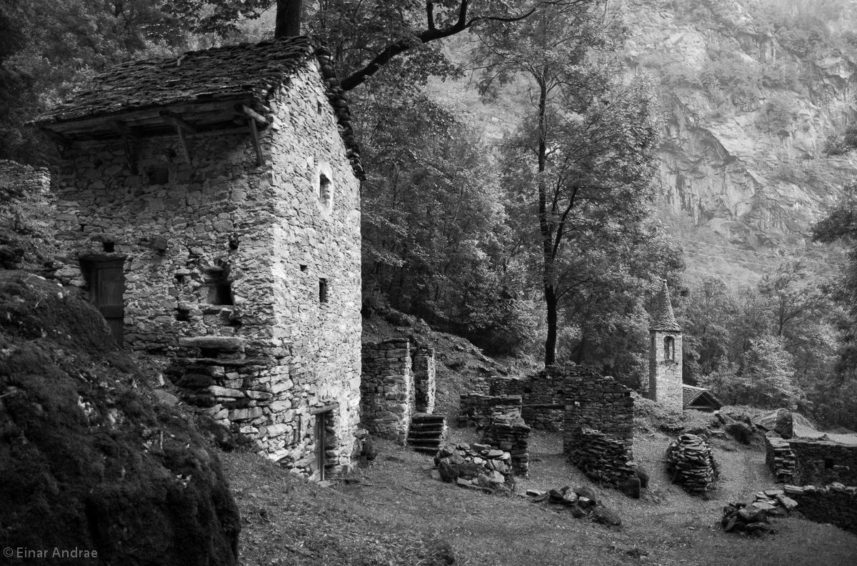 Der verlassene Weiler Presa im Val Bavona